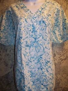 Blue green daisey flower v-neck scrubs uniform top dental medical nurse vet L