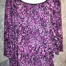 Abstract artsy print stretch slinky 3/4 sleeve gathered scoop neckline XL top