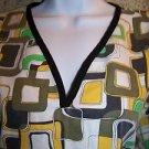 Artsy geometric designe modest v-neck pullover scrubs top dental medical nurse M