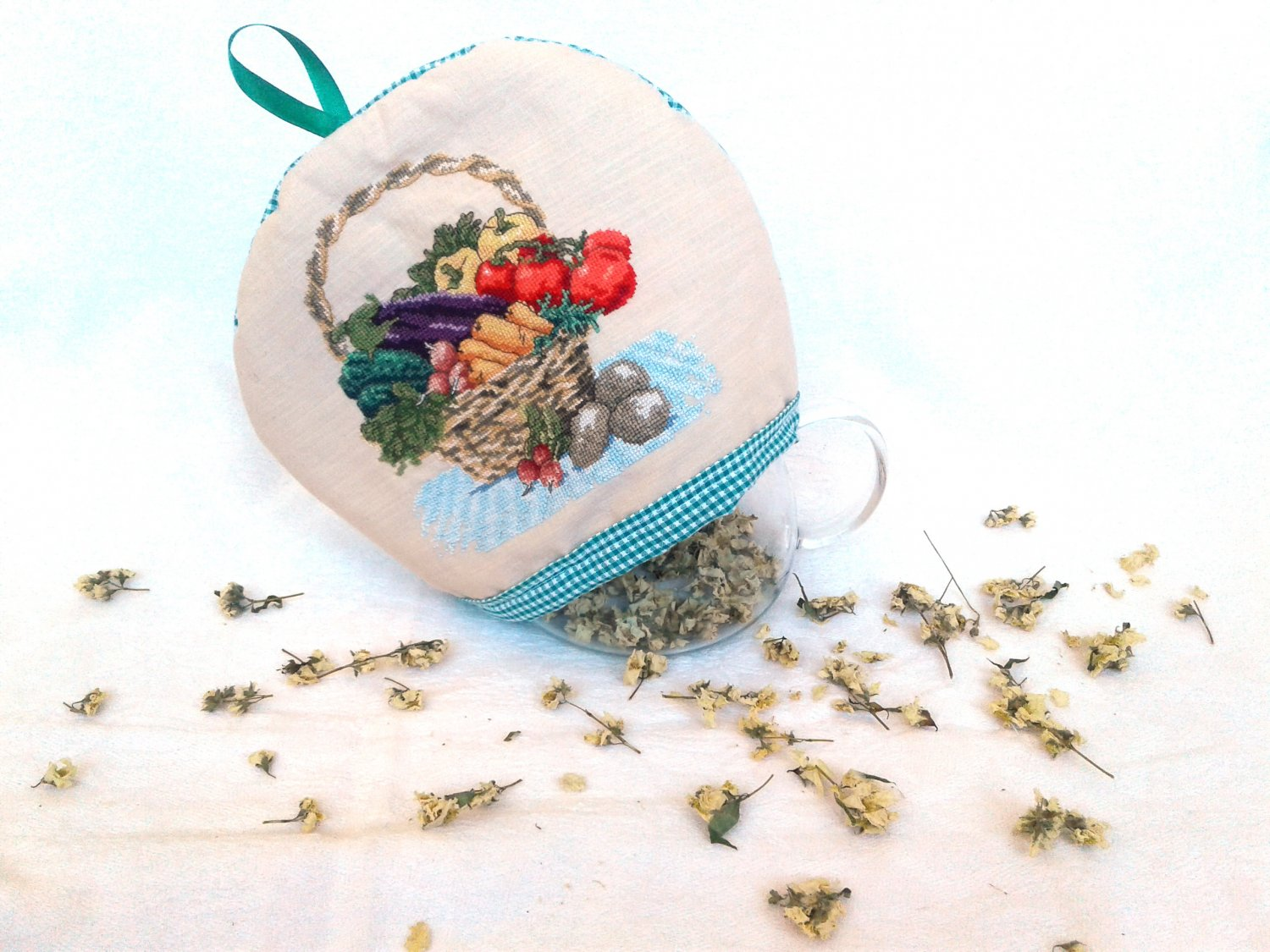Teapot warmer, tea lover gift, tea pot cover, Embroidery, drinkware, Kitchen accessory, Teatime gift