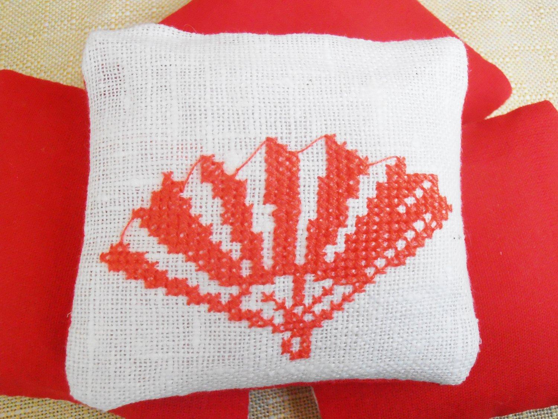 Lavender Sachet, preserved lavender, unusual gift, lavender bags, modern embroidery, Scented Sachet
