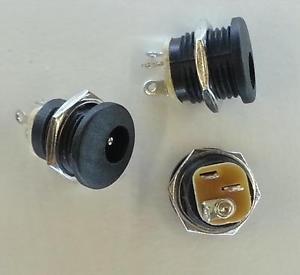 PLUGZ2GO Pk of 20 Black Plastic Panel Mount DC Socket - 5.5mm x 2.5mm