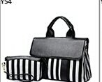 Black and White striped Travel aset