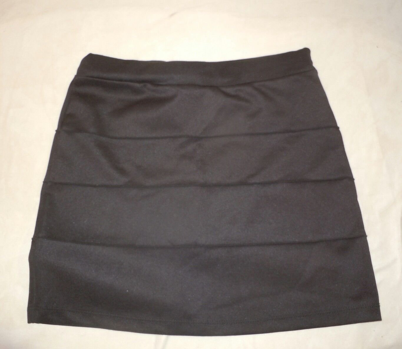 Womens Black toska Mini Skirt Size L