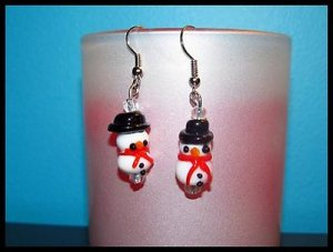 Darling Snowmen Piereced Earrings Winter/Holiday NEW