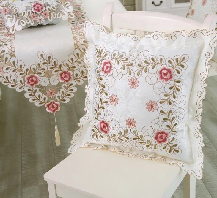 Embroidered pillow embroidered pillowcase cushion set of European arms, not including the inner body