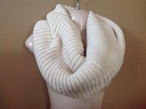NWOT Merona Cream Off-White Metallic Chunky Circle Infinity Knit Fall Scarf NEW