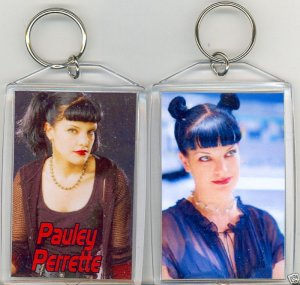 PAULEY PERRETE JUMBO KEYCHAIN  STAR OF NCIS
