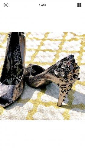 Sam Edelman $285 retail Size 9M Boutique Metallic Silver Shoe w/ Bling studded Heel