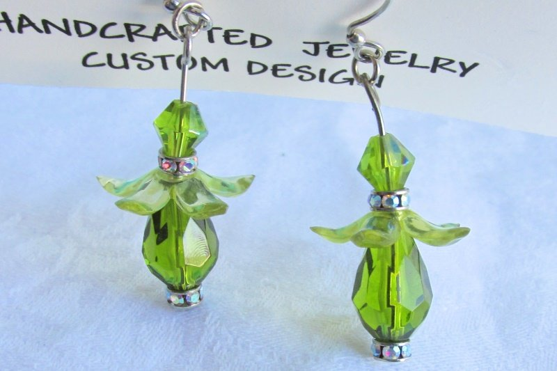 New Swarovski Rhinestone Green Bead Earrings Silvertone Artisan Handmade