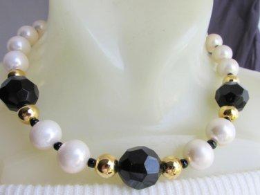 """1980s Vintage AVON Black Lucite White Faux Pearl 18"""" Necklace Gold Tone"""