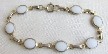 "Vintage Bezel Set White Opaque Glass Oval Links 7"" Bracelet Gold Tone"