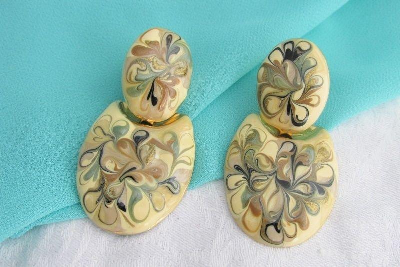 Vintage Beige Black Sage Gold Glittery Swirls Enamel Earrings Gold Tone