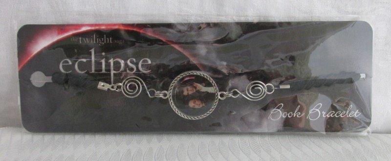 New Twilight Saga New Moon EDWARD & BELLA Book Bracelet NECA  NRFP