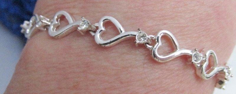 "Vintage Rhinestone 7"" Bracelet Silvertone Links Signed AVON"