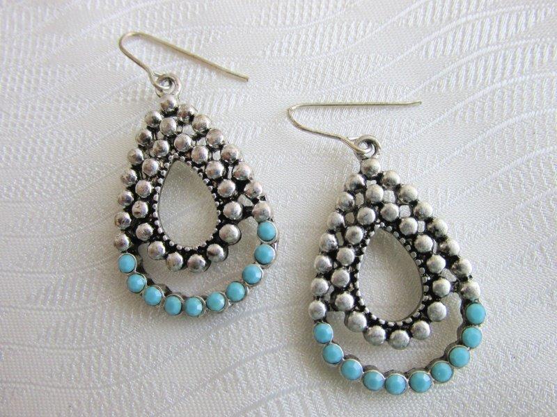 Vintage Turquoise Glass Nail Head Tear Drop Pendant Earrings Silver Plate Piercd