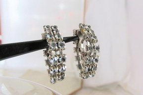 "Vintage Smoky Grey Rhinestone Swag Hoop 1"" Earrings Clip Earrings Silvertone"