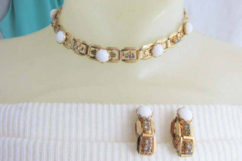 Vintage White Glass & Rhinestone Choker Bookchain Necklace Hoop Earrings Clip