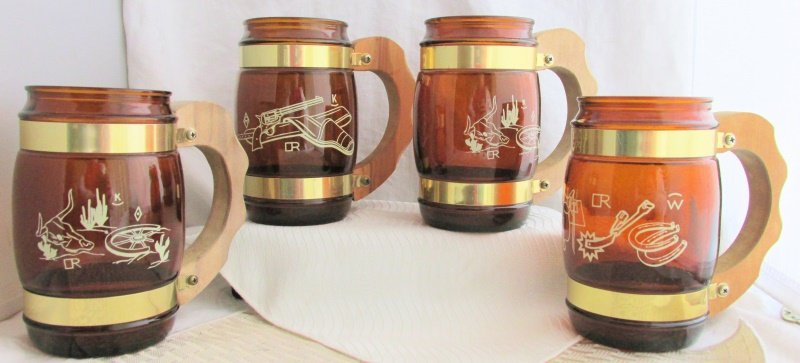 4 Vintage Seista Ware Western Theme Brown Glass Wood Handle Mugs Barware Glasses