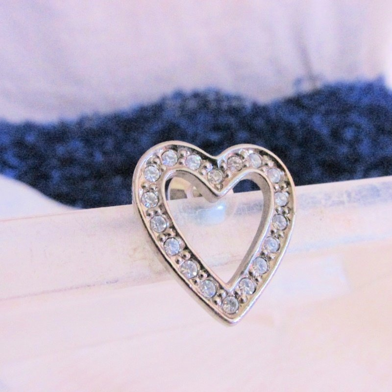1992 Vintage AVON Clear Rhinestones Sparkling Heart Pin SilverTone New Old Stock