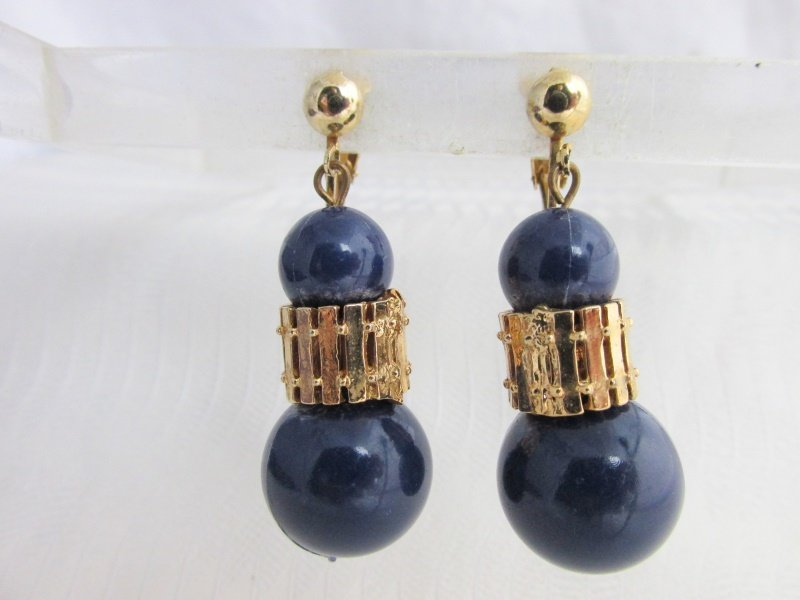 Vintage Navy Blue Acrylic Bead Dangling Earrings Gold Plated Clips Chunky Bold