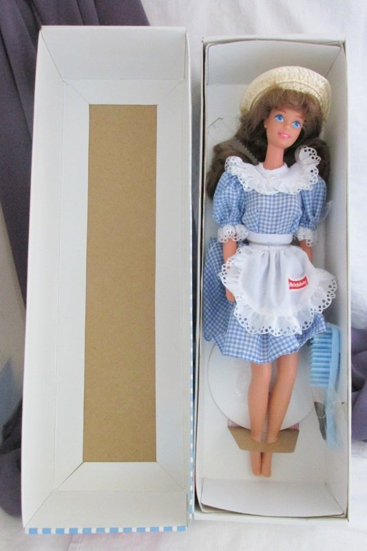 Little Debbie Barbie Doll 1992 Vintage Mattel Collector Ed Store Exclusive NRFB