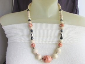 1988 Vintage AVON Desert Sands Necklace Marbled Lucite Peach Ivory Gray Beads