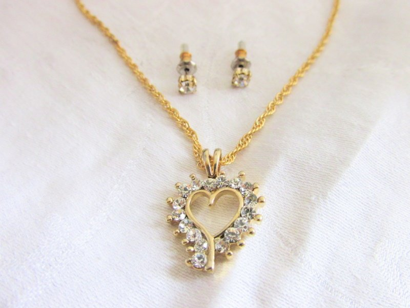 "Crystal Rhinestone Open Heart Pendant 18"" Necklace & Stud Earrings Gold Plate"