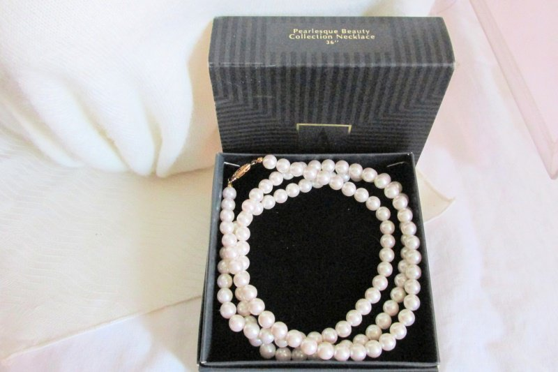 "Vintage Avon Pearlesque Beauty 36"" Necklace 8MM Faux Pearls Flapper Length NIB"
