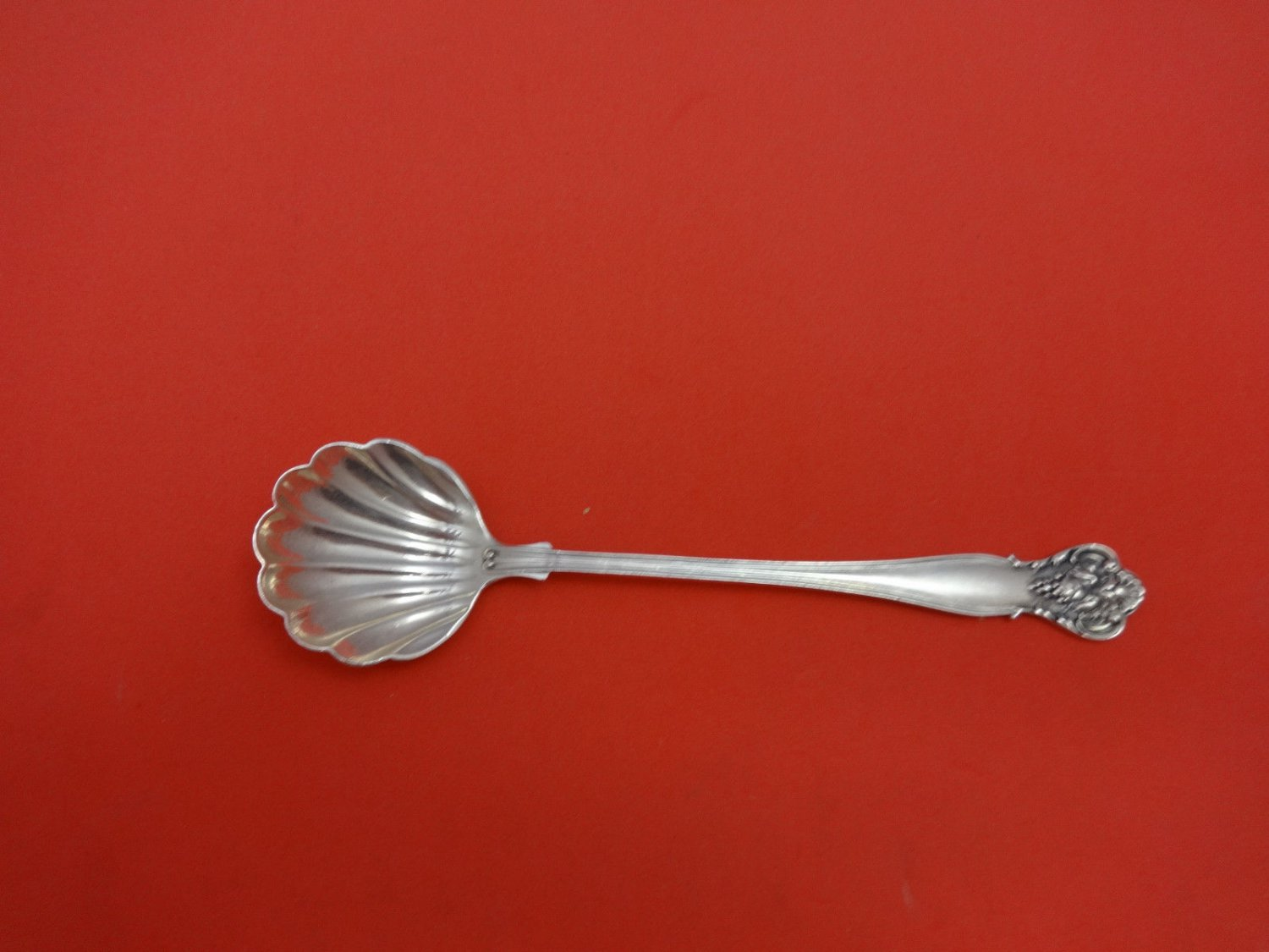 New Vintage by Durgin Sterling Silver Spoon Shell Bowl 5 1/2""