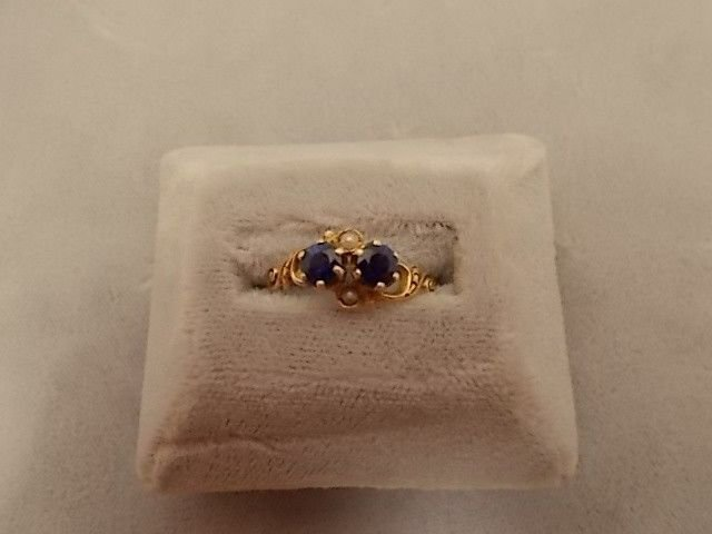10K Gold Victorian Ring with .94ct Sapphires and Pearls (#545)