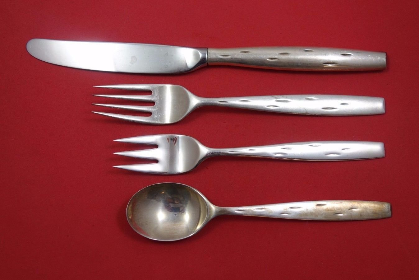 Discovery by Wallace Sterling Silver Dinner Size Place Setting(s) 4pc