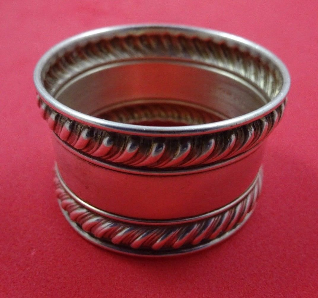 """English Gadroon by Gorham Sterling Silver Napkin Ring #422 1 3/4"""" X 1"""""""