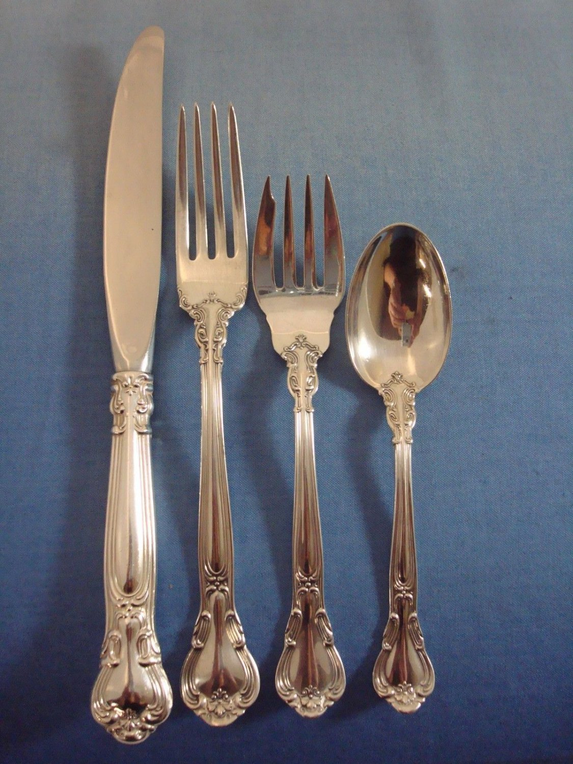 Chantilly by Gorham Sterling Silver Place Size Place Setting(s) 4pc