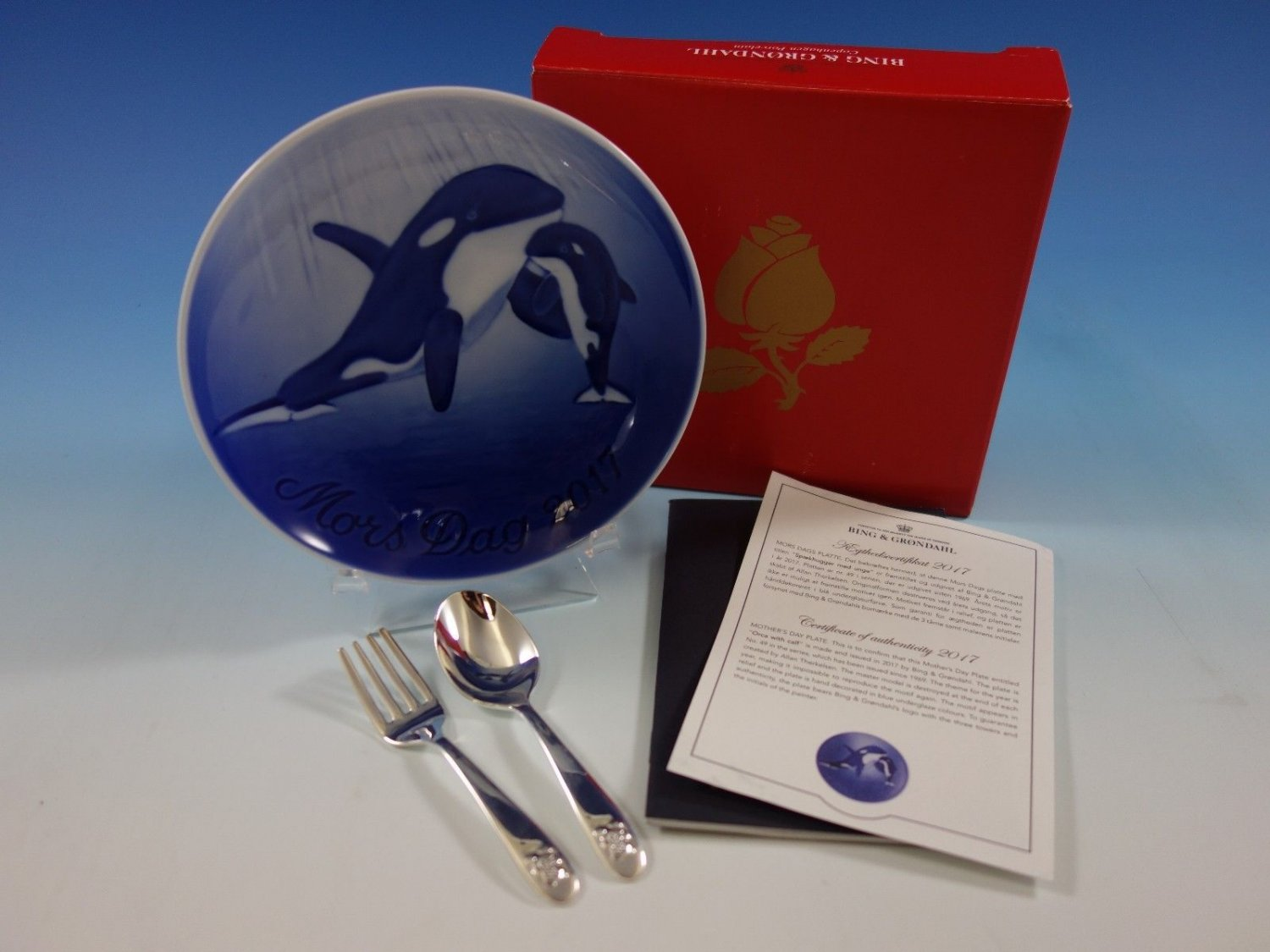 Bing & Grondahl 2017 Mother's Mothers Day Plate Orca w/ Calf B&G New In Box Mint