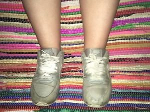 Well Worn Ladies Nike Air Max Grey White Size 7.5