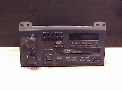 1990s Saturn AM / FM / Cassette Stereo With Equalizer Model 21020666