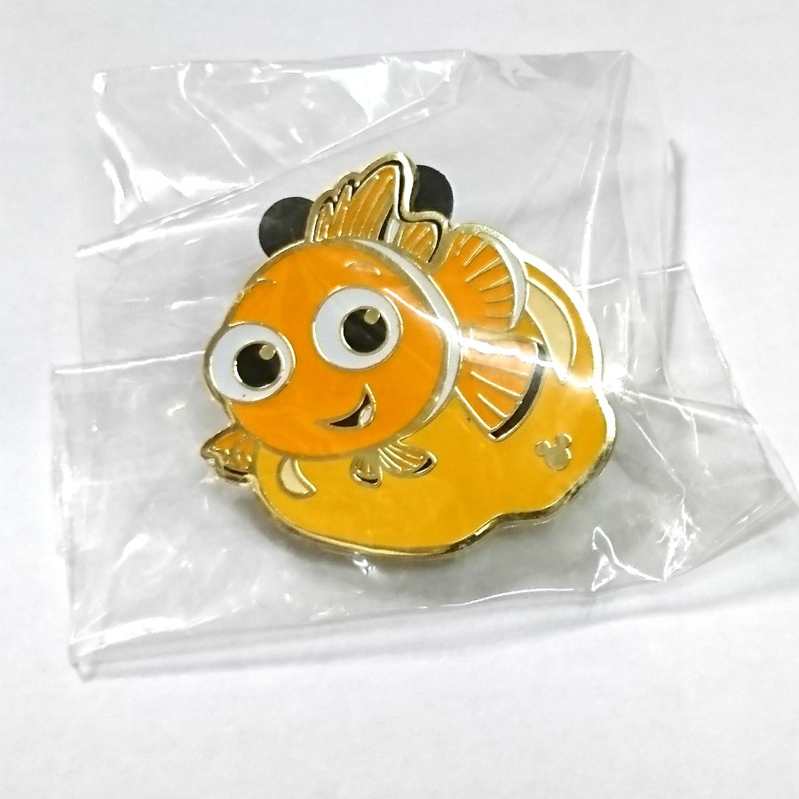 Details about  Disney Pin from Hong Kong Disneyland Finding Nemo