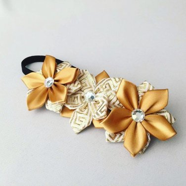GOLDEN Kanzashi Pointed Petal flowers