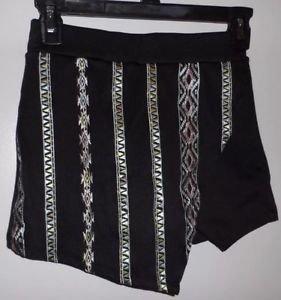 ABOUT A GIRL Brand JUNIORS Sz XS Aztec Print Black Skort Cute! Free Shipping