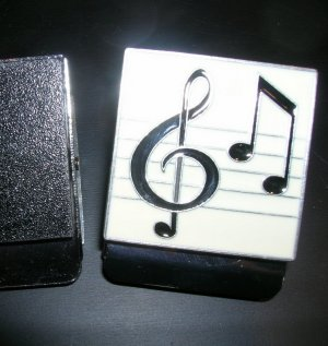 Magnetic clip-music notes
