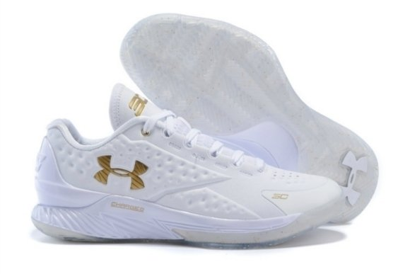 Men's Under Armour Curry Basketball Sneaker Running Shoes (White) Size 11