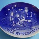 """1998  Bing & Grondahl Danish B&G Christmas Plate """"Santa the Storyteller"""""""