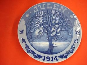 "1914 ROYAL COPENHAGEN RC CHRISTMAS PLATE  "" SPARROWS AT CHURCH OF HOLY GHOST """