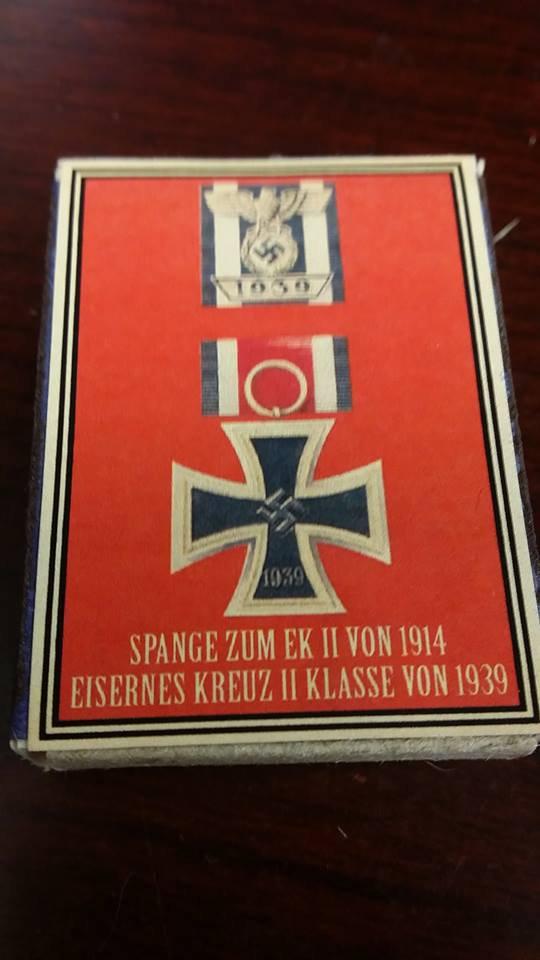 WWII Nazi German Iron Cross 1939 Spange Medal awards Vintage matchbox