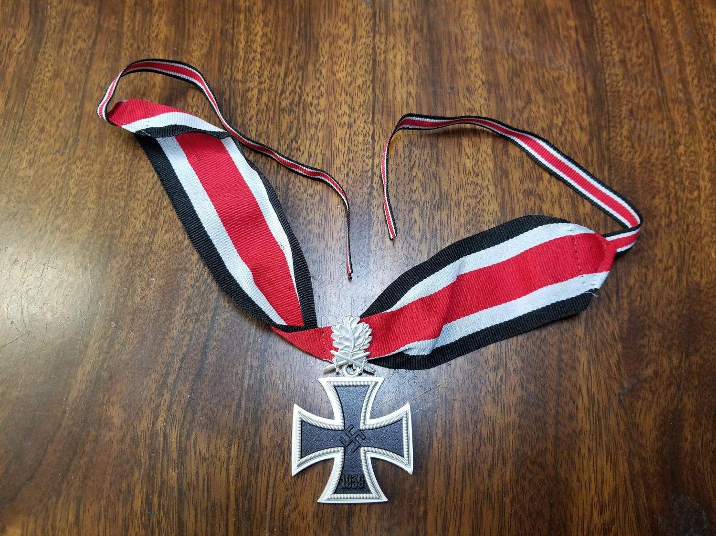 4e24c4e0b9532 WWII WW2 Nazi German Knights Iron cross 1939 neck ribbon w oak leaves