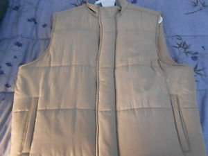 Bobby Jones Man's Beige Quilted Water Resistance Silk Jacket Vest   Size: Large