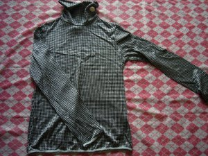 Japan What's Up Black & Silver Turtle Neck Top w/ White Button