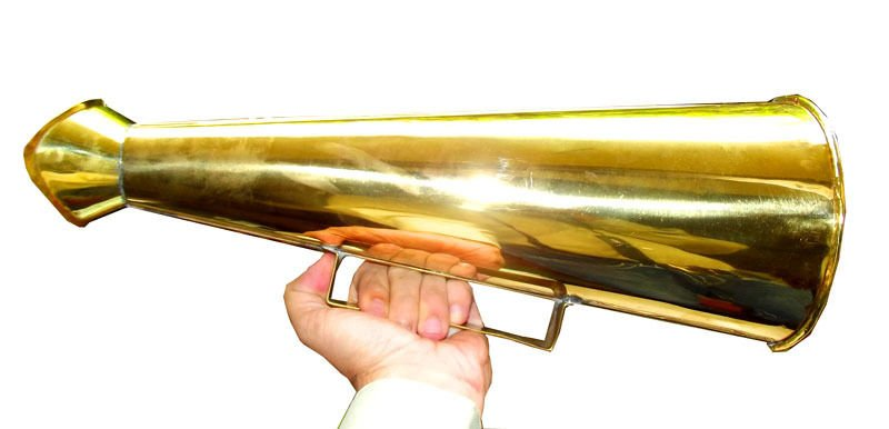 LARGE 18-INCH SHIP'S TRADITIONAL MEGAPHONE IN EXCELLENT CONDITION, 1970s