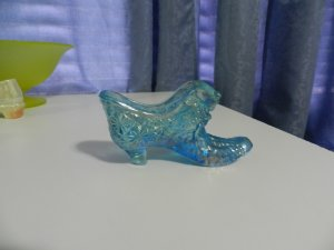 Boyd Blue Cat Head Collectible Glass Shoe
